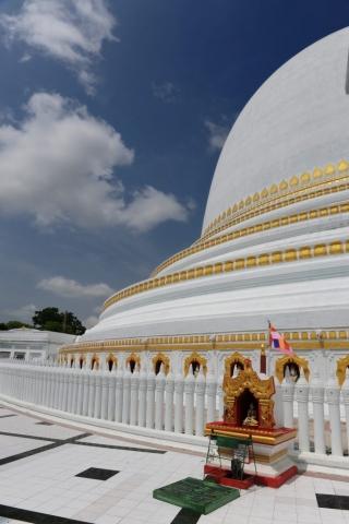 Stupa on Road to Mandalay